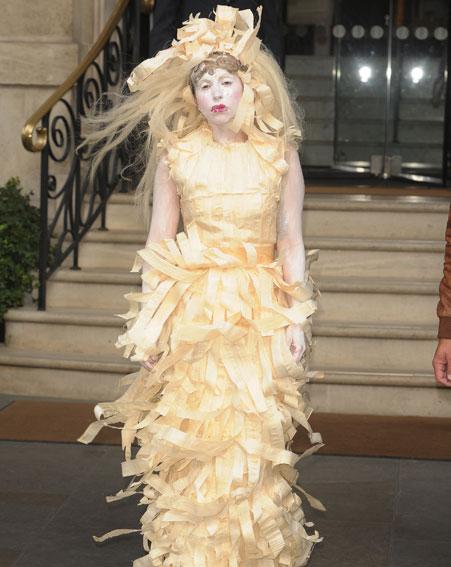 Lady Gaga in Fettuccine Alfredo